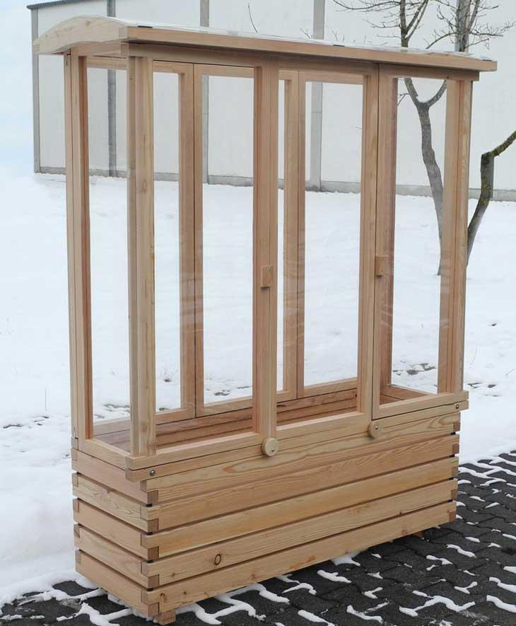 tomatenhaus auf pflanzkasten f r balkon und terrasse. Black Bedroom Furniture Sets. Home Design Ideas