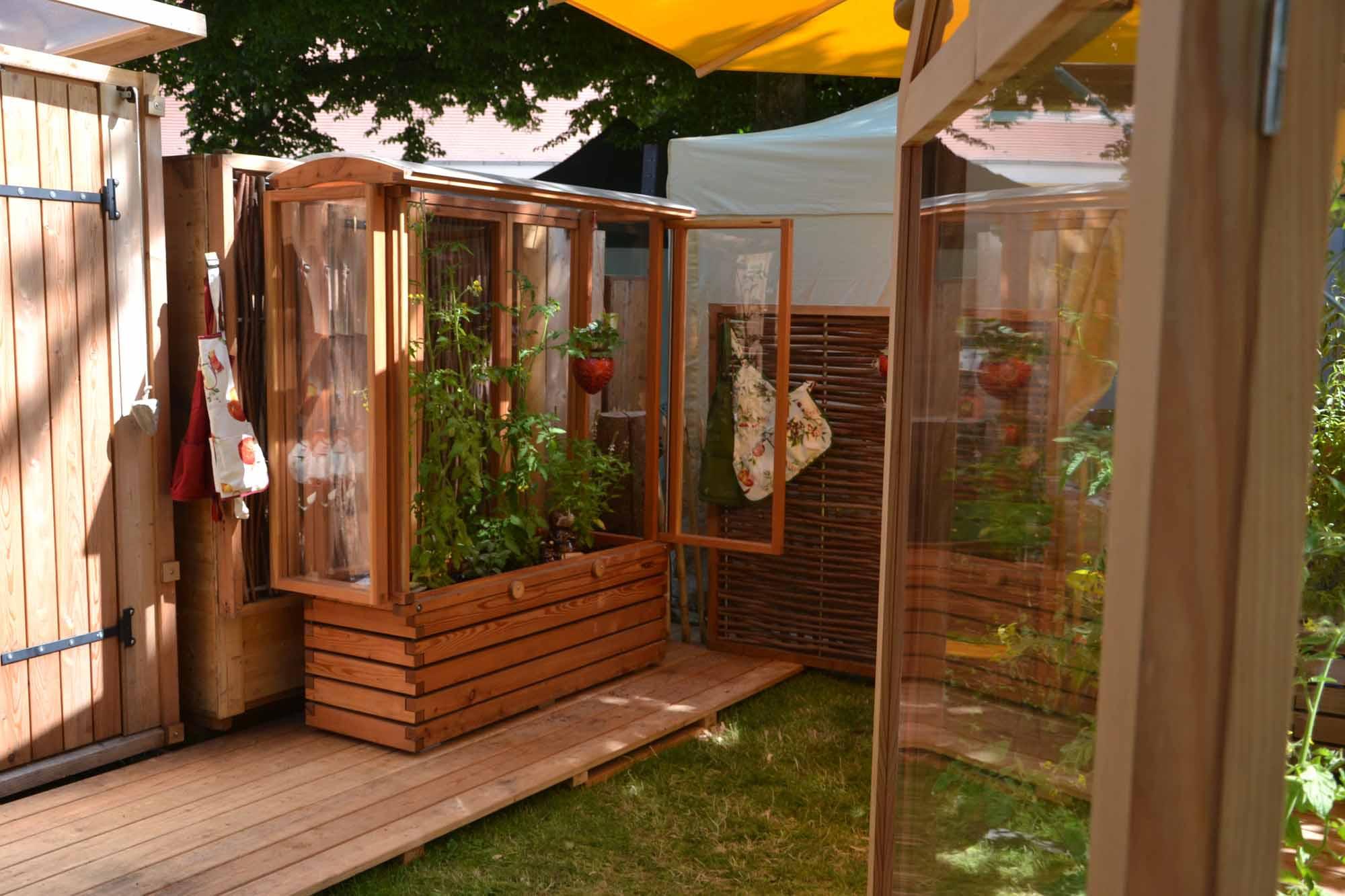 tomatenhaus auf pflanzkasten f r balkon und terrasse 150cm l nge. Black Bedroom Furniture Sets. Home Design Ideas