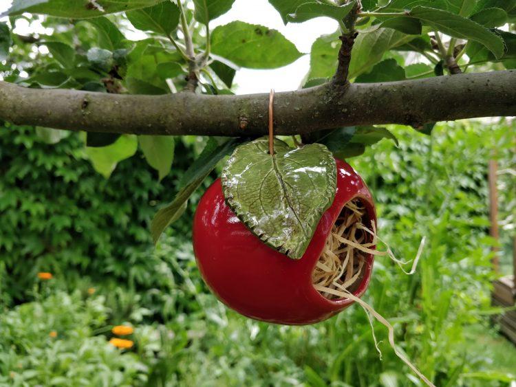 Insektenhotel Apfel Keramik