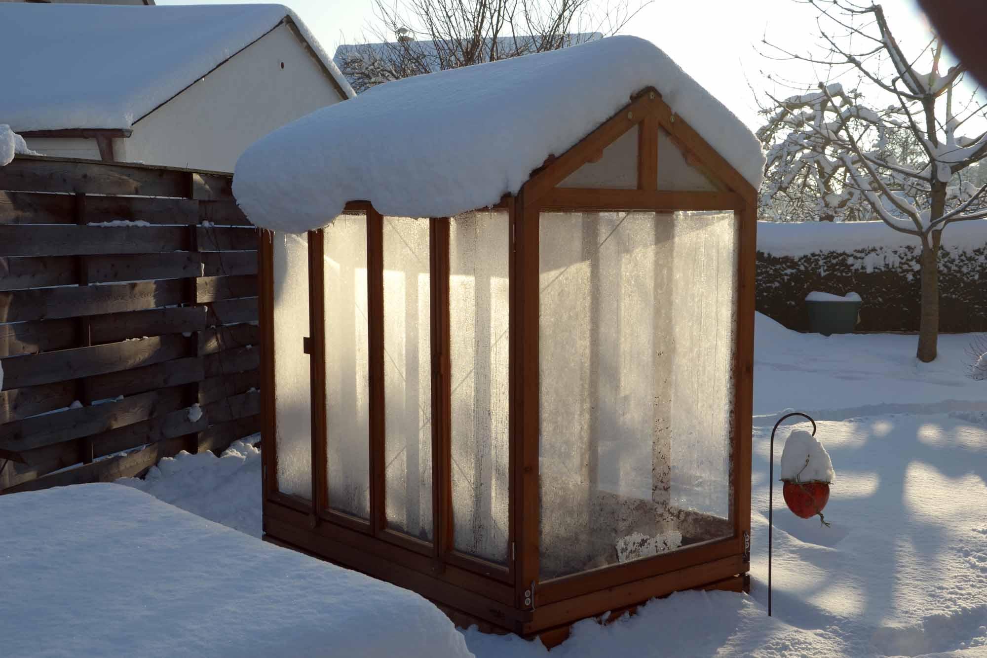 tomatenhaus das besondere gew chshaus von gartenfrosch. Black Bedroom Furniture Sets. Home Design Ideas