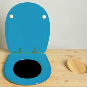 Toiletten-Brille aus retikuliertem Holz
