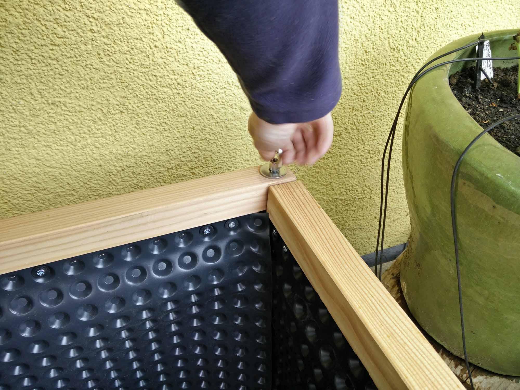 hochbeet aus holz beste breite zum bearbeiten von einer seite. Black Bedroom Furniture Sets. Home Design Ideas