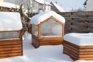 Hochbeetegarten im Schnee